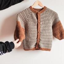 Mi Proyecto del curso:  Top-down: prendas a crochet de una sola pieza. Un progetto di Moda, Fashion Design, Tessuto, DIY , e Uncinetto di Pamela VO - 12.09.2021