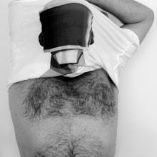 Helmet T-shirt. Un proyecto de Fotografía, Diseño e Ilustración de Alejandro Mazuelas Kamiruaga - 21.08.2013