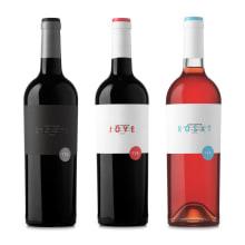 Vinos Les Sorts. Um projeto de Design gráfico e Packaging de Atipus - 25.03.2014