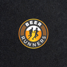 BEER RUNNERS - Rebrand. Um projeto de Br, ing e Identidade, Direção de arte e Design gráfico de Gonzalo Sainz Sotomayor - 09.10.2014