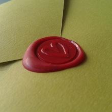 Invitación Boda. Un proyecto de Artesanía, Diseño gráfico y Packaging de Chary Esteve Vargas - 25.10.2013
