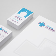 BRANDING, VINILO DECORATIVO GRAN FORMATO - Farmacia Ctra. del Rocío. A Design, Br, ing, Identit, and Graphic Design project by Concepción Domingo Ragel - 03.14.2015