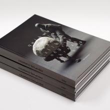 El hombre gris. Un proyecto de Diseño editorial y Diseño gráfico de el bandolero Lacabra - 22.03.2015