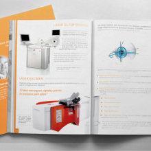 Manuales Refractive Academy. Un proyecto de Br, ing e Identidad y Diseño de Ms. Barrons - 19.08.2015