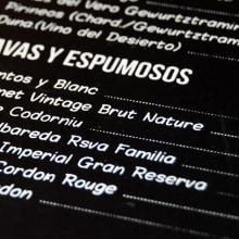 Cartas Restaurante Dommo. Um projeto de Design gráfico e Serigrafia de Sara Palacino Suelves - 18.09.2015