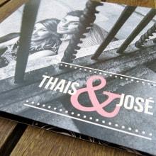 Invitación de Boda para Thais & Jose. Um projeto de Design gráfico de Sara Palacino Suelves - 21.09.2015