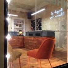 Reforma de local en Neükolln. Un proyecto de Diseño, Arquitectura, Diseño de muebles, Diseño industrial, Arquitectura interior, Diseño de interiores y Escenografía de Alejandro Mazuelas Kamiruaga - 02.12.2015
