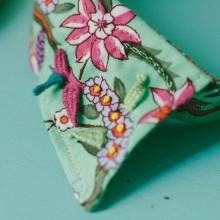 """""""Embroidery Folk"""" Un viaje bordado por el mundo.. Um projeto de Design, Ilustração, Design de acessórios, Direção de arte, Artesanato, Artes plásticas e Bordado de Señorita Lylo - 01.03.2016"""