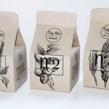 Tasty Bites - Cereales . Un projet de Illustration, Br, ing et identité, Design graphique, Packaging, T , et pographie de Beatriz Rodríguez Sanz - 25.08.2016