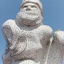 Monumento al Capitan Scott diseñado por Jonathan Williams. He tallado el  porex y revestido de mosaicos. Fue inaugurado por la Princesa Ana de Inglaterra en 2003 y lo podéis visitar en la bahía de Cardiff.. A Sculpture project by Rafa Zabala - 05.13.2017