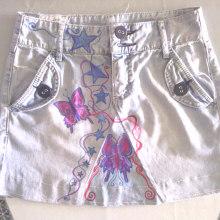 Vestidos,pantalones y faldas pintados a mano. Un proyecto de Diseño, Artesanía, Moda, Pintura y Diseño de producto de Judith Martín Monte - 07.09.2017