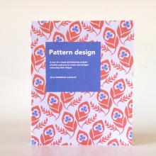 Libro sobre el diseño de estampados. Un projet de Conception éditoriale, Design graphique , et Création de motifs de Júlia Rodríguez Castellví - 27.04.2017