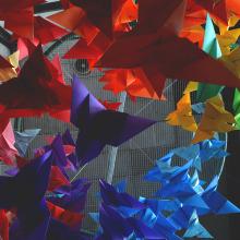 Mariposas Origami. Un proyecto de Instalaciones y Bellas Artes de Alejandro Bernatzky - 24.10.2016