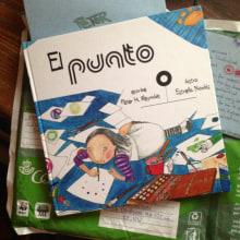 • El Punto • {Proyecto Final de Ilustración: Cuento infantil}. Un proyecto de Ilustración, Diseño de producto y Creatividad de Estrella Nicolás - 26.05.2012