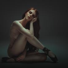 Trabajos realizados en el curso de fotografía de desnudo artístico. A Fotografie und Fotoretuschierung project by Rebeca Saray - 03.10.2018