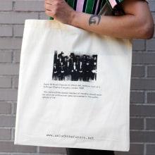 Estampación Tote Bags para el proyecto feminista www.unlockthefuture.net. Un proyecto de Estampación de Print Workers Barcelona - 24.10.2018