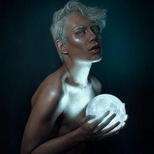 Moon Child. Un proyecto de Fotografía de retrato e Iluminación fotográfica de Alex Estrella - 29.11.2018