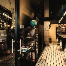 Reforma de local Gentleman´s Barber Acebal . Un proyecto de Diseño, Arquitectura, Diseño de muebles, Arquitectura interior, Diseño de interiores y Diseño de iluminación de Alejandro Mazuelas Kamiruaga - 04.05.2016