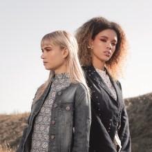 Blue Grandient Editorial for Eloque Magazine. A Fotografie, Mode, Modedesign, Modefotografie und Nähen project by Alicia Abat - 17.04.2019