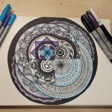 Mandalas hechos a mano. Un projet de Beaux Arts, Esquisse , Dessin , et Dessin artistique de Emilia Acurio Vintimilla - 02.06.2019