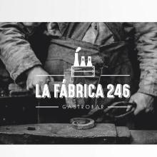 LA FÁBRICA 246: Branding, Editorial. Un proyecto de Publicidad, Dirección de arte, Br, ing e Identidad, Diseño editorial, Diseño gráfico y Diseño de logotipos de Bárbara Pérez Muñoz - 12.07.2019
