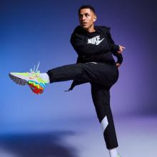 Nike. A Fotografie, Beleuchtungsdesign, Modefotografie, Beleuchtung für Fotografie, Studiofotografie, Werbefotografie, Fotografische Komposition und Farbenlehre project by Javier Falcón - 27.11.2019