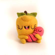 Pommie and...aww baby Worm!. Un proyecto de Diseño de personajes, Artesanía, Bellas Artes, Escultura y Art to de droolwool - 04.02.2020