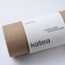 Katea - Visual identity & website. A Br, ing und Identität, Grafikdesign und Webdesign project by Clara Briones Vedia - 15.04.2020