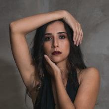 Mi Proyecto del curso: Estudio en casa / Primer intento. Un proyecto de Fotografía de retrato de Iuri Braga - 26.04.2020