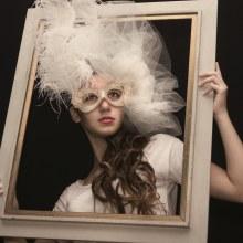 La máscara y el cuadro. Un proyecto de Fotografía digital de Norberto Damián Helmholt - 20.05.2020