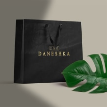 VISUAL BRAND DANESHKA. Um projeto de Design, Direção de arte, Br, ing e Identidade e Design de logotipo de Juan Carrillo - 23.03.2020