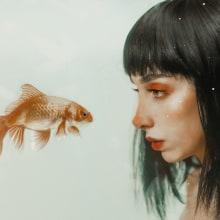 Little Fish . A Photograph, Fine Art, Creativit, Portrait photograph, Photographic Lighting, Studio Photograph, Digital photograph, Fine-art photograph, Photographic Composition, and Digital Painting project by Sofía Gregorio - 06.24.2020