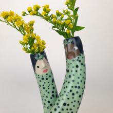Cuddling Bud Vases. A Keramik project by Sandra Apperloo - 01.06.2020