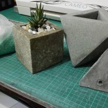 Mi Proyecto del curso: Creación de muebles en concreto para principiantes. Um projeto de Design de móveis de Santiago Rueda - 10.08.2020