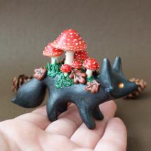 Mushroom Foxes in Polymer Clay. Un proyecto de Bellas Artes, Escultura y Art to de Marisa Clemente - 01.09.2020