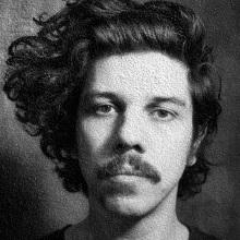 Retrato Helio Flanders. Un proyecto de Retoque fotográfico y Fotografía de retrato de Nina Bruno - 23.09.2020