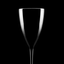 Tratamento produto [taça de vidro]. Un proyecto de Postproducción, Fotografía de producto y Fotografía publicitaria de Nina Bruno - 29.09.2020