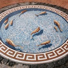 Trompe L'oeil Fishpond Mosaic. Um projeto de Artesanato de Gary Drostle - 26.06.1996