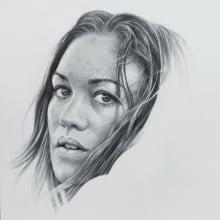 Realistic Portrait with Graphite Pencil. Um projeto de Desenho a lápis, Desenho de Retrato, Desenho realista, Desenho artístico e Desenho anatômico de Duboscq Frédérique - 27.11.2020