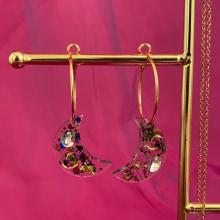 Celestial accessories Autumn/Winter 2020. A Schmuckdesign, Modedesign, Modefotografie, Instagram und E-Commerce project by Mia Winston-Hart - 01.12.2020