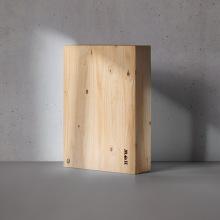 Happiness wood. Um projeto de Design, Publicidade, Fotografia, Br, ing e Identidade, Design gráfico, Marketing e Design de logotipo de Jose Antonio Jiménez Macías - 07.02.2020