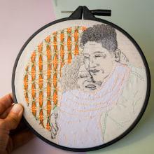 Retrato bordado, el abrazo de mamá. Un progetto di Fotografia di ritratto , e Ricamo di Sol Artaza - 02.01.2021