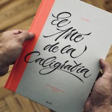 El Arte de la Caligrafía. Um projeto de Design editorial, Caligrafia, Lettering, Caligrafia com brush pen, H e lettering de Iván Caíña - 15.10.2019