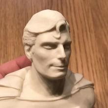 """""""El hombre de acero"""" Busto miniatura 1/6. Un proyecto de Diseño de personajes, Escultura y Diseño de juguetes de Manuel Barroso Parejo - 08.02.2021"""