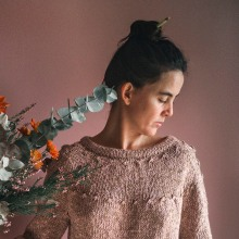 Friday Sweater. A Crafts, and Fashion Design project by Carmen García de Mora - 12.09.2019