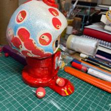 Gumball Daruma - Art Toy . Un proyecto de Art to de Harriet Bedford - 16.02.2021