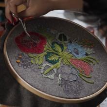 Hechizo de primavera. Um projeto de Artes plásticas, Bordado e Ilustração têxtil de Gimena Romero - 13.04.2019
