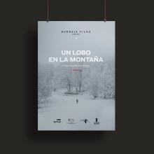 Un lobo en la montaña. Um projeto de Design e Design de cartaz de Artídoto Estudio - 28.04.2021