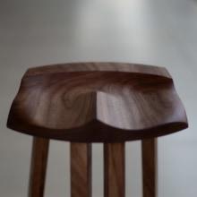Banqueta Tipi . Un proyecto de Diseño, Diseño de muebles, Diseño de producto y Carpintería de Danillo Faria - 22.08.2018