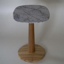 Mesa Lateral Blondin. Un proyecto de Diseño, Diseño de muebles, Diseño industrial, Diseño de producto y Carpintería de Danillo Faria - 07.01.2019